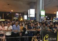 Sân bay Tân Sơn Nhất nhộn nhịp đón Việt kiều về quê ăn Tết