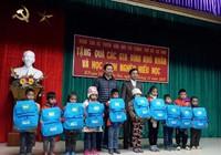 Lãnh đạo TPHCM thăm các gia đình bị lũ ở Trạm Tấu