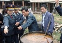 Dầu ăn bẩn tràn lan, Trung Quốc ra tay dẹp trừ