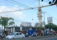 Sập cần cẩu dự án Topaz Home khiến hai người bị thương