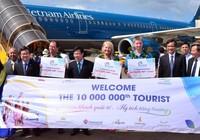 Việt Nam đón du khách quốc tế thứ 10 triệu