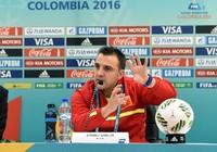 HLV Bruno hạnh phúc với chiến thắng lịch sử của Futsal Việt Nam