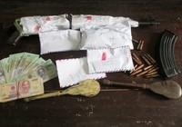 Đôi nam, nữ mang súng AK lên núi lập lán bán heroin