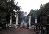 Truy bắt kẻ trộm tiền trong 7 hòm công đức đền Cuông