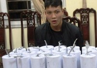 Thiếu niên cuốn pháo 'khủng' đem bán