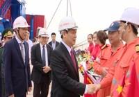 Phó Thủ tướng Vương Đình Huệ ấn nút mở cầu cảng biển