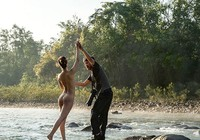 Mốt làm mẫu ảnh... nude ở Hà Nội