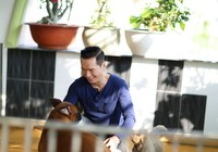 Ca sĩ hải ngoại Nguyễn Hưng khoe cơ ngơi mới ở Sài Gòn