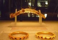 Trưng bày bộ sưu tập 100 món trang sức cổ của người Việt