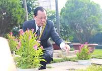 Chùm ảnh lãnh đạo TP.HCM viếng nghĩa trang liệt sĩ thành phố