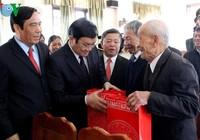 Chủ tịch nước tặng quà nhân ngày Thương binh Liệt sĩ 27-7