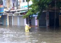 Thành phố Hải Dương cũng biến thành sông sau mưa