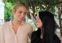 Hai nữ du khách bị bắt bỏ tù vì nụ hôn đồng tính ở Hawaii