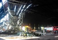 Gần 100 chiến sĩ PCCC cứu hỏa nhà máy xử lý rác