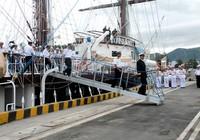 Chùm ảnh: Đón tàu buồm huấn luyện hải quân về nước