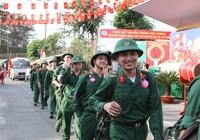 Chùm ảnh: Lễ giao quân tiễn thanh niên lên đường nhập ngũ