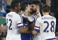 Costa: 'Tôi không cắn cổ Barry'
