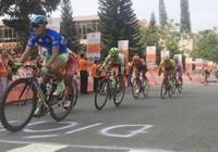 Đua xe đạp Cúp Truyền hình: Huỳnh Thanh Tùng suýt làm cuộc lật ngôi