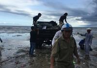 Thêm nhiều lực lượng cùng dọn bãi rác khủng tại Mũi Né