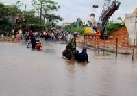 Quảng Nam: 'Dịch vụ vận chuyển kiểu mới' trong mùa lũ