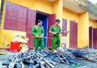 Quảng Nam: Người dân giao nộp gần 200 khẩu súng tự chế