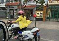 Ngạc nhiên cô gái đi dép lê lái xe đặc chủng CSGT