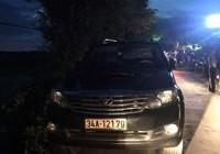 Cả ngàn người vây đốt ô tô vì nghi thôi miên