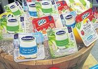 Người Thái làm quen với sữa chua Việt Nam