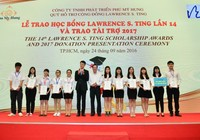 Trao 375 suất học bổng Lawrence S. Ting cho HS-VS giỏi