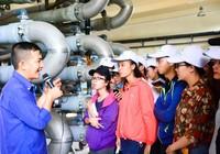 Buổi tham quan bổ ích của sinh viên môi trường