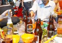 Tiết kiệm mua sắm cho bé, ưu tiên uống bia