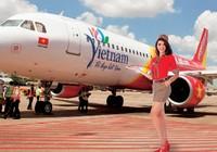 Nhiều hãng hàng không bất ngờ tăng phí máy bay