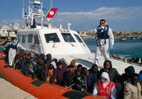 Cứu 1500 người vượt biên trên biển trong vòng 24 giờ