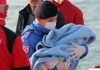 Tàu chở dân di cư lại chìm, 400 người tử nạn?