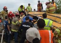 Lốc xoáy lớn giết chết ít nhất 13 người