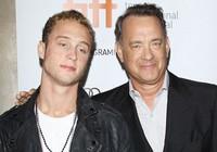 Con trai huyền thoại Hollywood bị truy nã