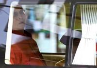 Nhà vua Thái Lan nhập viện điều trị 'não úng thủy'
