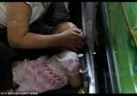 Thang cuốn Trung Quốc lại 'nuốt' cánh tay bé gái