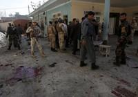 Nhà quan chức bị đánh bom: 13 người thiệt mạng
