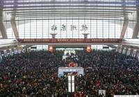 Trung Quốc: Bán gần 3 tỉ vé tàu xe tết nhưng vẫn thiếu trầm trọng