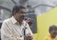 Venezuela tăng lương, tăng thời gian ban ngày để đối phó suy thoái