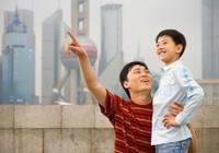 Ứng xử tuyệt vời của một ông bố khi con đánh vỡ đồ quý