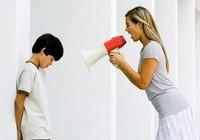 5 sai lầm của cha mẹ khiến con lì hơn