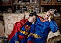 Thú vị bộ ảnh siêu anh hùng lấm lem