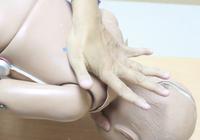Mẹo hay- Dễ làm: Sơ cứu nhanh khi trẻ bị hóc dị vật
