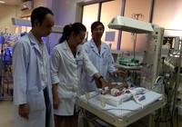 Ca mổ tim kỳ diệu cho em bé chỉ nặng 900 g
