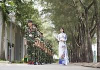 Ninh Hoàng Ngân với bộ sưu tập áo dài mừng trường cũ