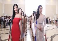 Hoàng Thùy bật khóc nức nở ở Hoa hậu Hoàn vũ VN