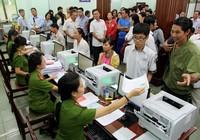 TP.HCM: Hàng trăm người háo hức đi cấp đổi căn cước công dân