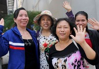 Clip: Người dân đổ về chùa Ngọc Hoàng chờ đón Tổng thống Obama
